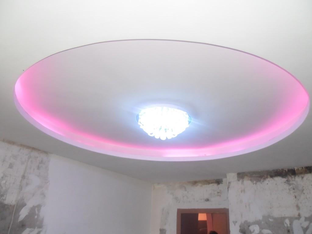 -потолок-с-подсветкой