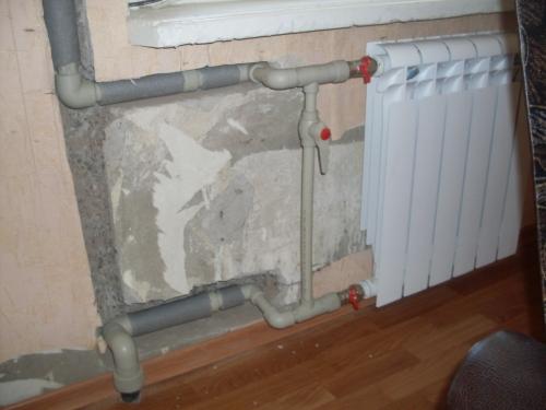 Поменять радиатор отопления в квартире своими руками