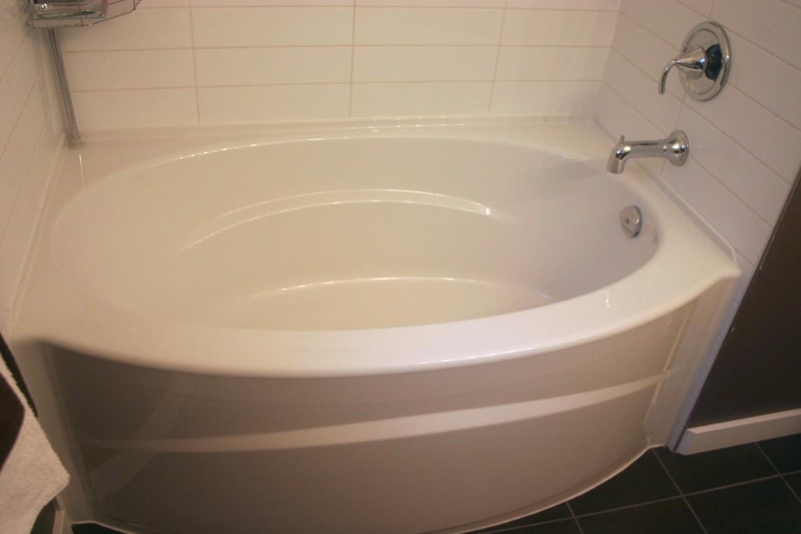Guest-bathtub