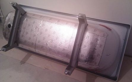 На гидроизоляцию потолок укладывают стороной какой