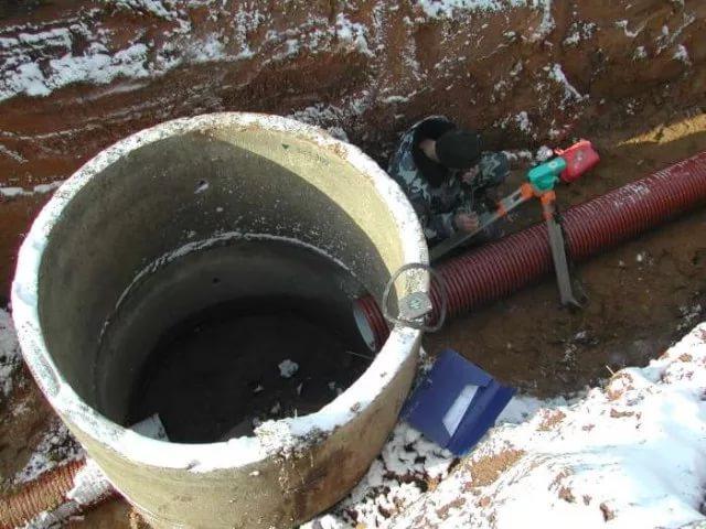 -по-устройству-канализационного-колодца