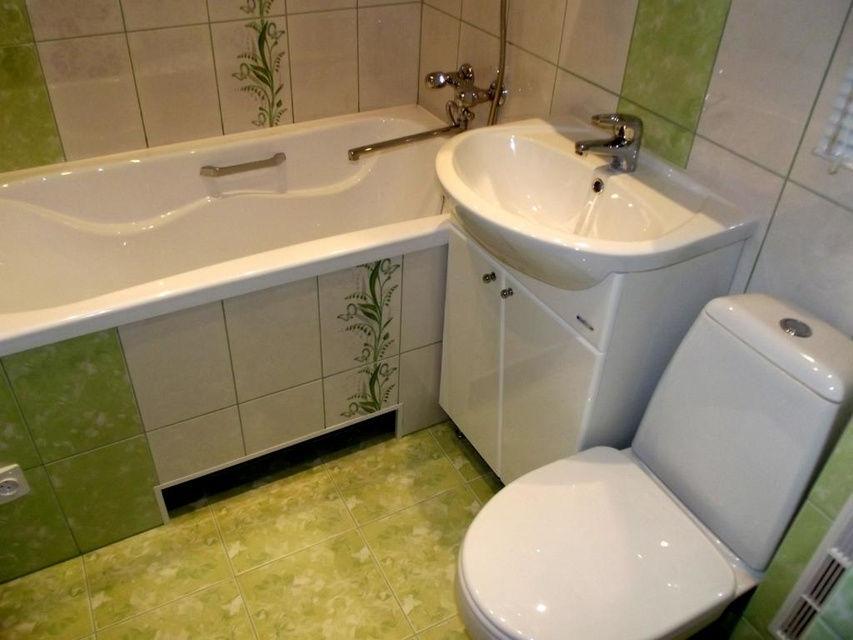 -сантехники-в-ванной