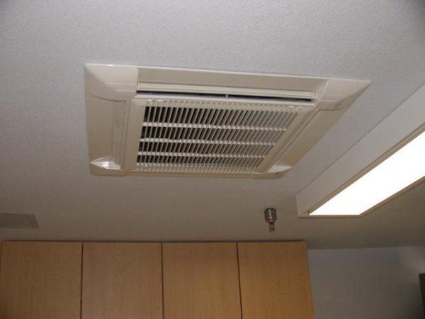 -сплит-системы-в-потолок