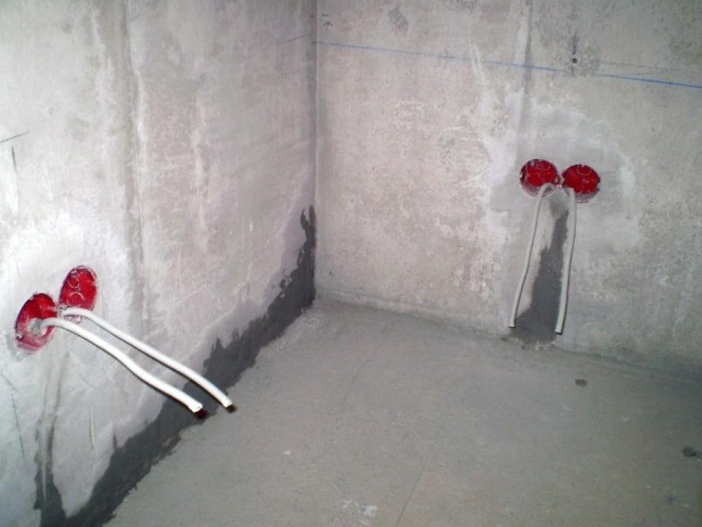 -подрозетников-в-бетонную-стену